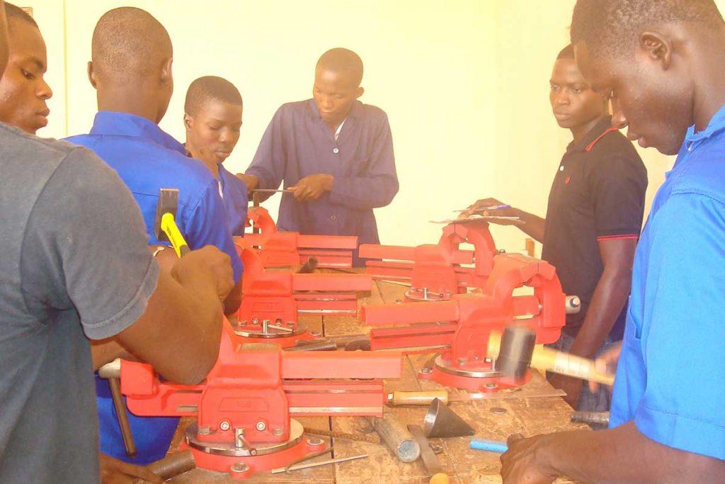 KFZ-Abteilung - Ausbildung an der Werkbank