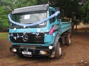 Lkw mit Kipper